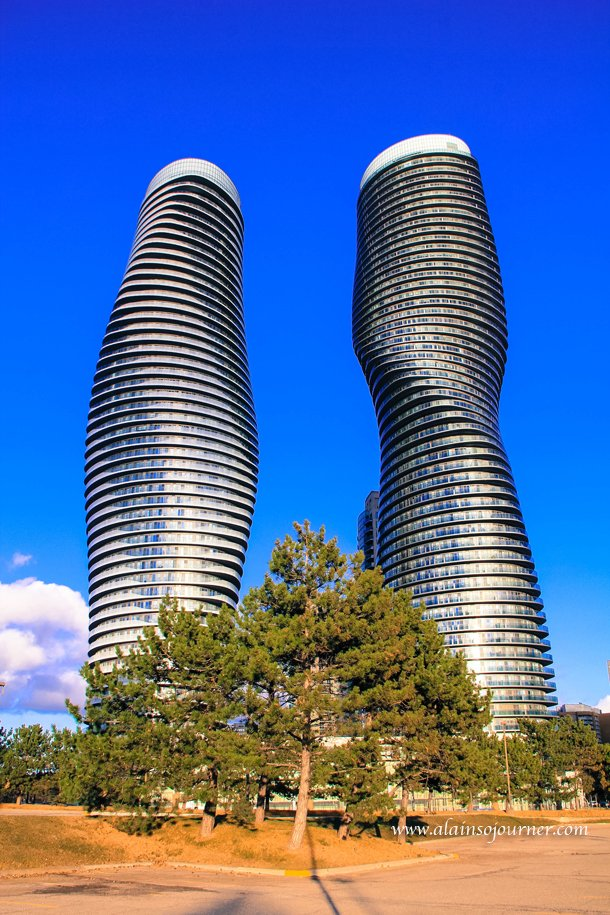 The Marilyn Monroe Building in Missasauga