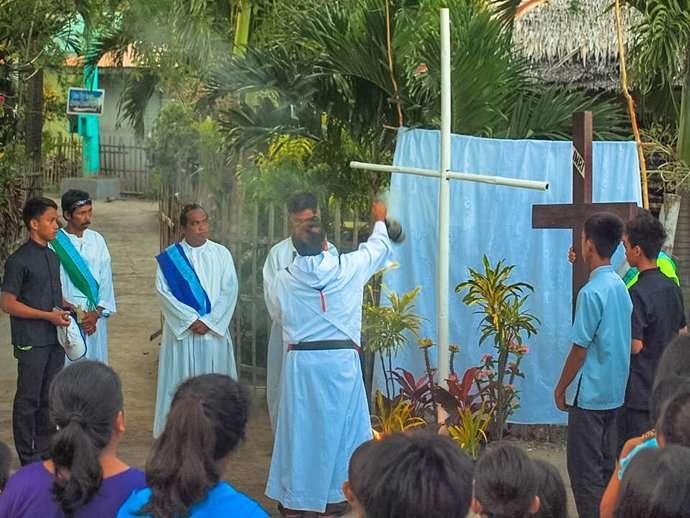 Holy Week Philippines Apo Island 6