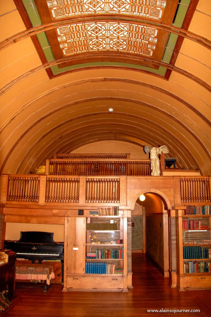 The Legacy of Frank Lloyd Wright in Chicago.