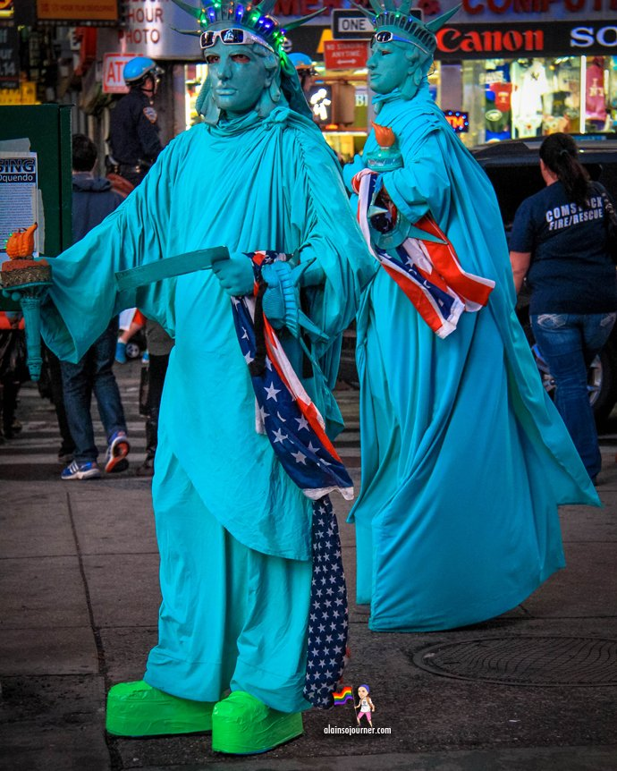 Times Square Buskers New York Statue of Liberty