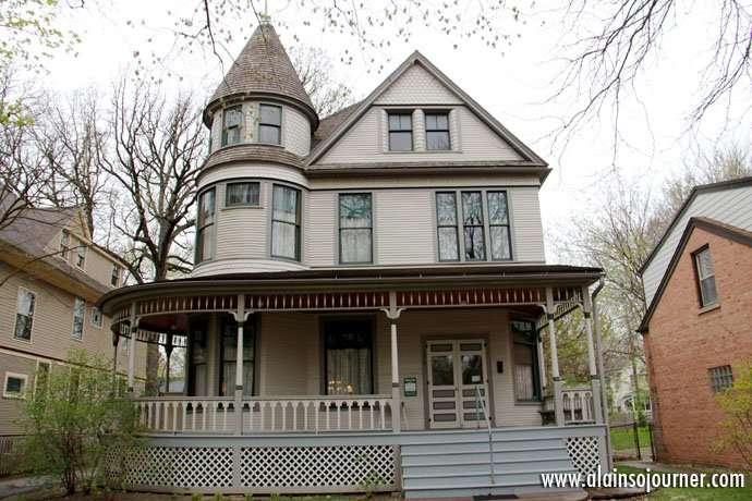 Hemingway House Chicago 1