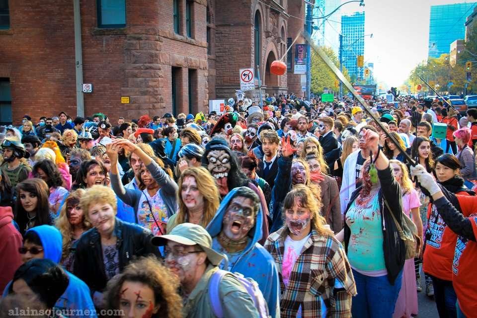 Zombie Walk Toronto 2014 Parade Photos
