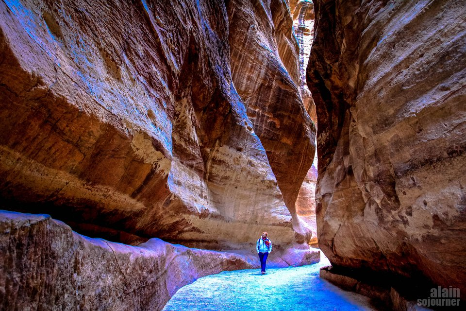 Things to do and see in Jordan: Walk the Siq in Petra
