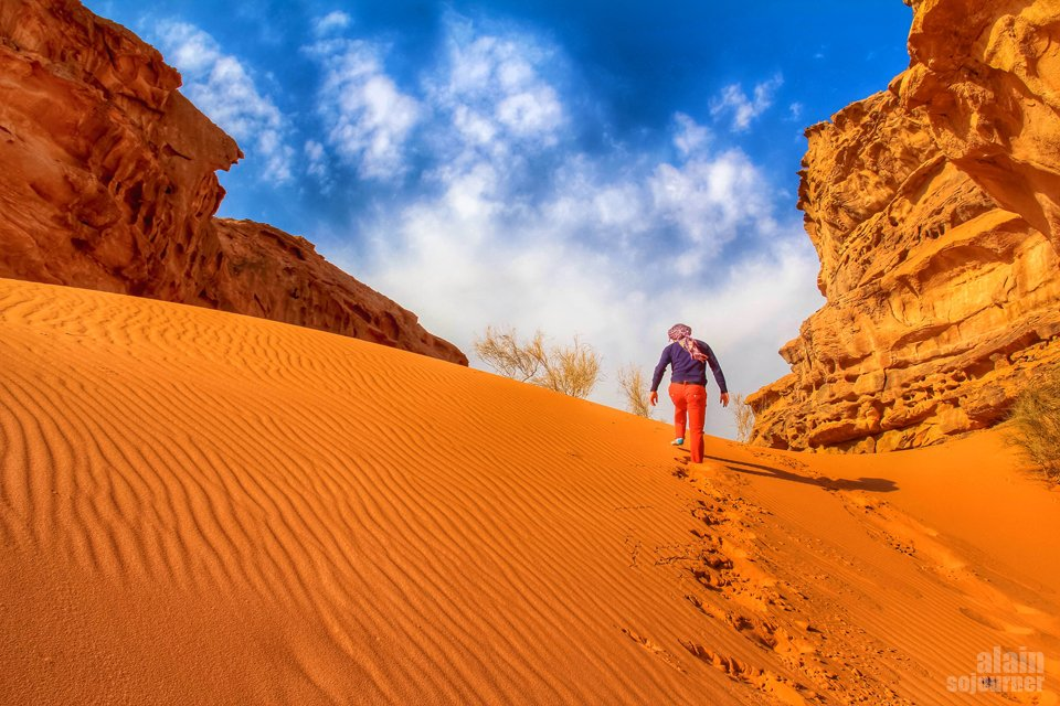 Things to do and see in Jordan: Explore Wadi Rum.