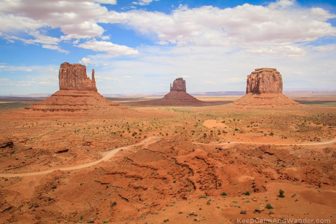 The Monument valley in Arizona / From Phoenix to Grand Canyon: Tips for Backpackers.