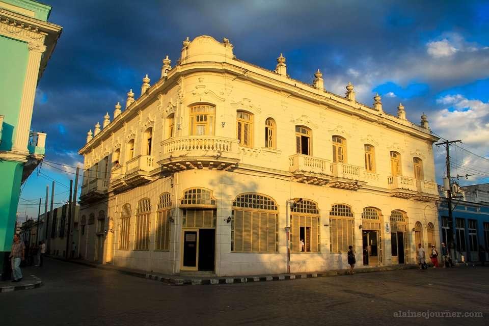 Museo de Artes Decorativas Santa Clara Cuba