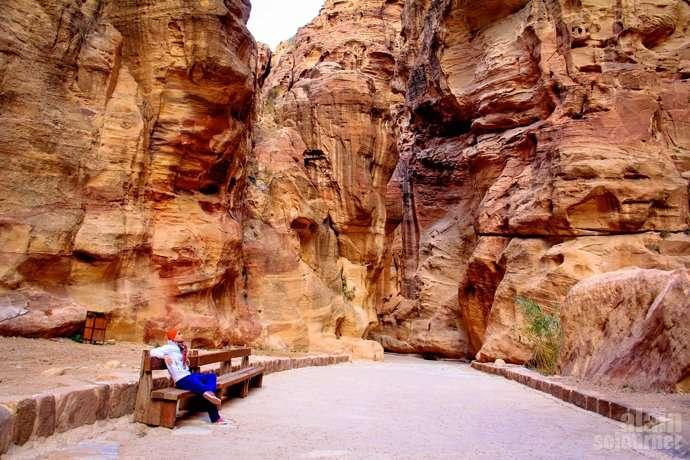 Petra The Siq Jordan The Treasury
