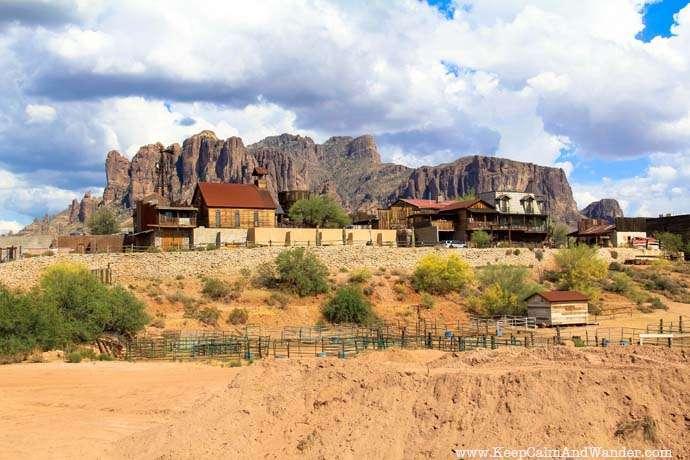 Superstition Mountains, Phoenix, Arizona.