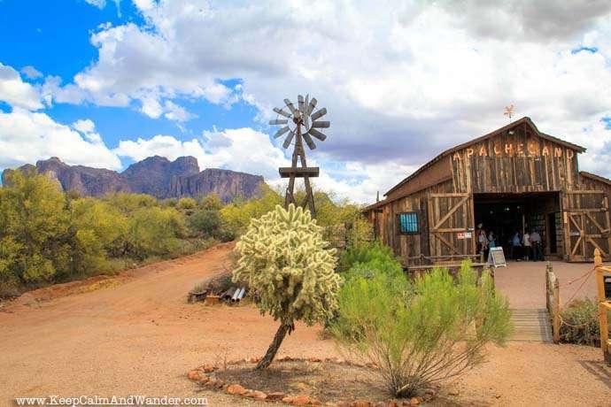 Superstition Mountain, Phoenix, Arizona.