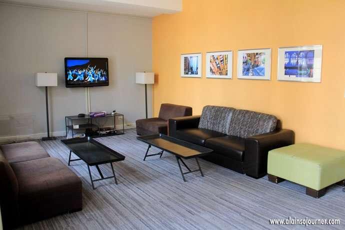 Entertainment / Media Center / Chicago Getaway Hostel