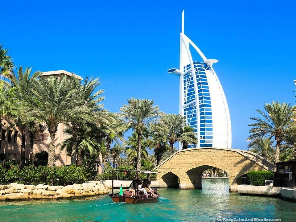 Souk Madinat is designed like a little Arabian town.