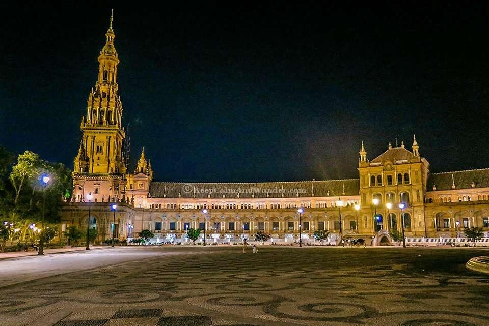 Plaza de España at Night Literally Takes My Breath Away (Sevilla, Spain).
