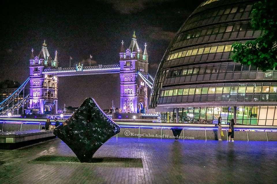 Photos: The Stunning Tower Bridge at Night (London, England).