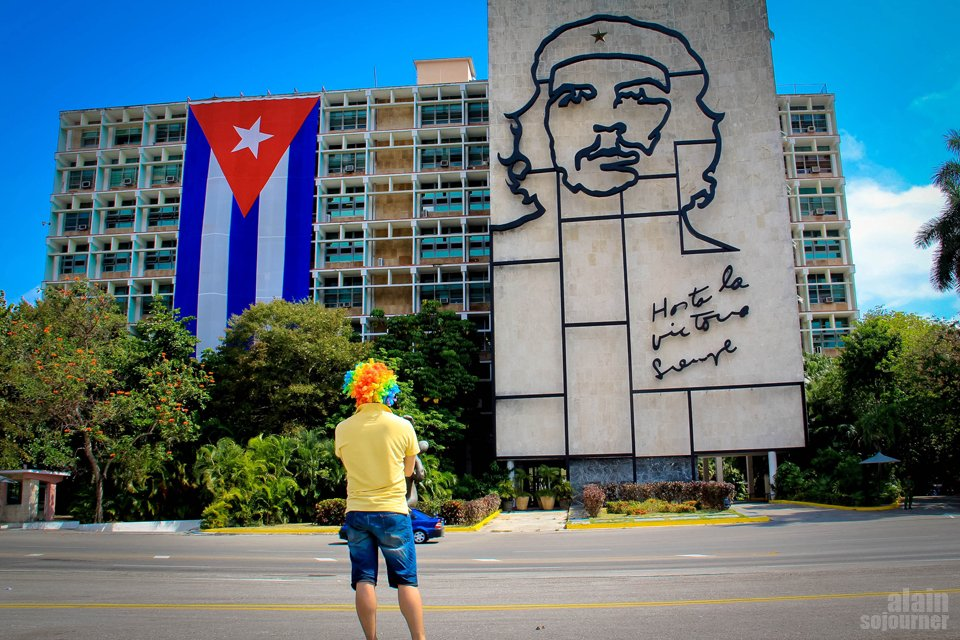 Stare at Che's Mural at Plaza de la Revolucion in Havana Travel Blog