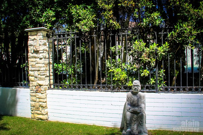 Yao Ming House Beverly Hills is home to the Hollywood stars.