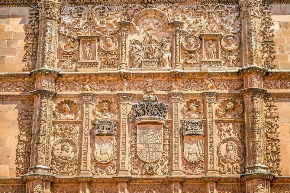 Find the Frog on the Skull in Salamanca (University of Salamanca, Spain)