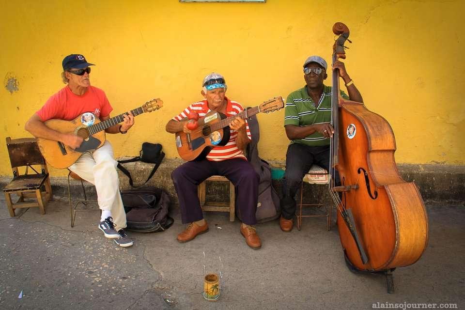 Street Musicians in santiago de Cuba