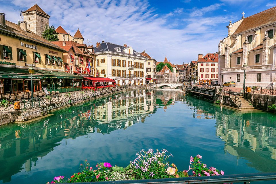 15 Photos of Annecy - A Charming Little Town in France