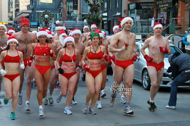 Toronto Naked Santa Speedo Run 2011
