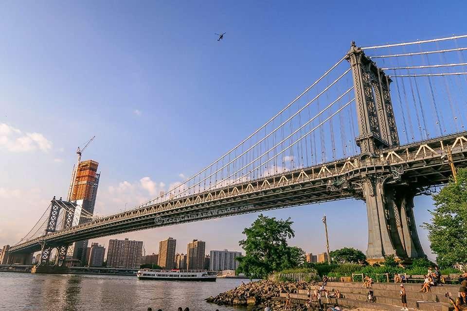 Manhattan Bridge (Brooklyn Park in Dumbo). new York