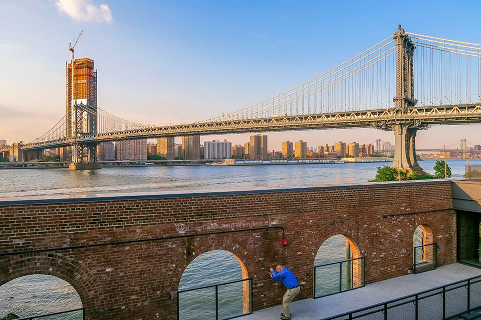 View from Brooklyn Historical Museum Building (Dumbo, New York).