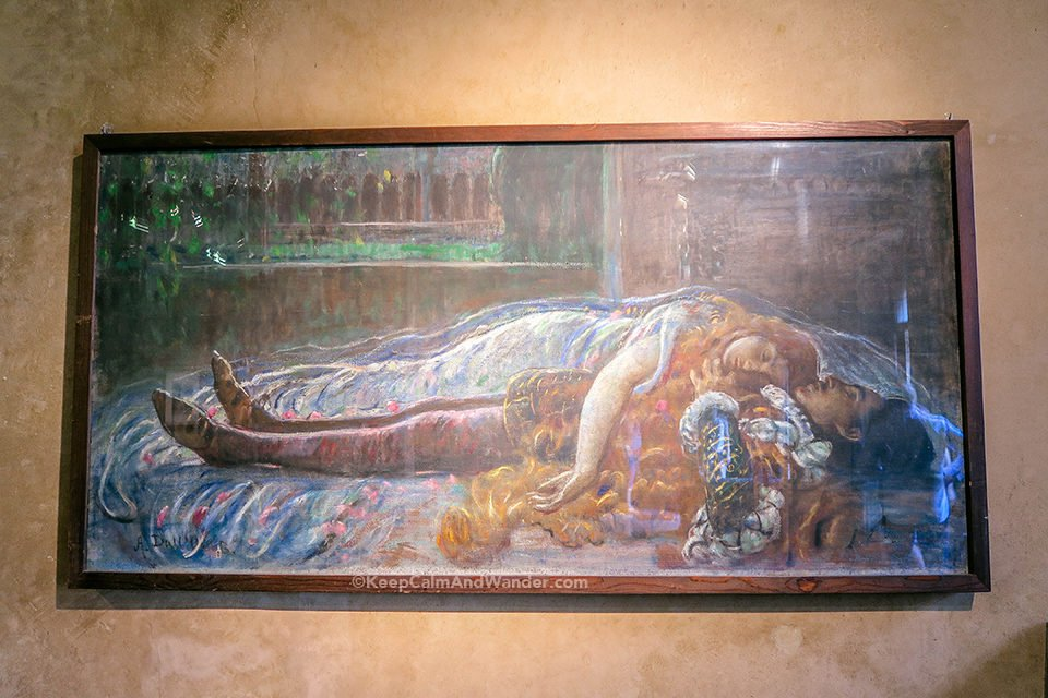 What to See Inside Casa de Giuletta in Verona (Juliet's House, Italy).