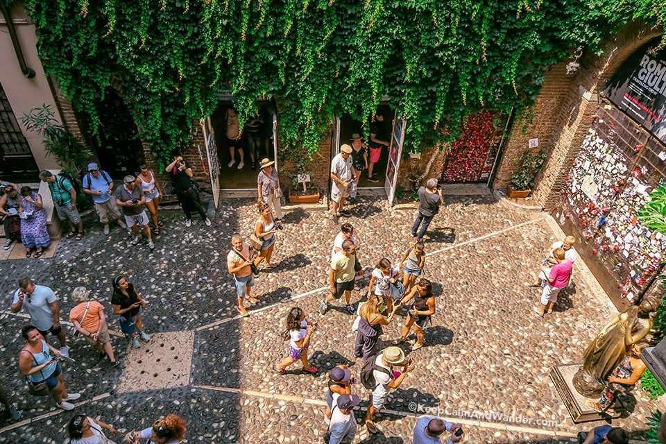 What to See Inside Casa de Giuletta in Verona (Italy).