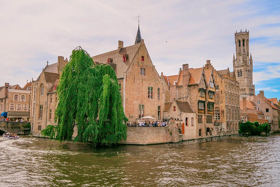 Rozenhoedkaai Canal / I Spent a Day in Bruges and I did My Own Walking Tour (Belgium).