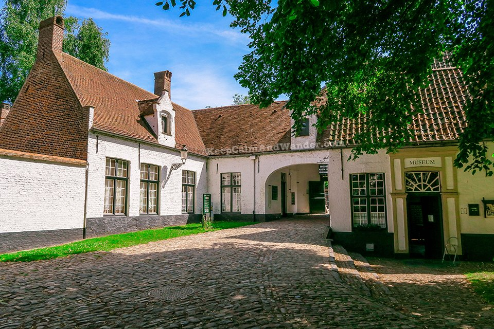 Begijnhof / I Spent a Day in Bruges and I did My Own Walking Tour (Belgium).
