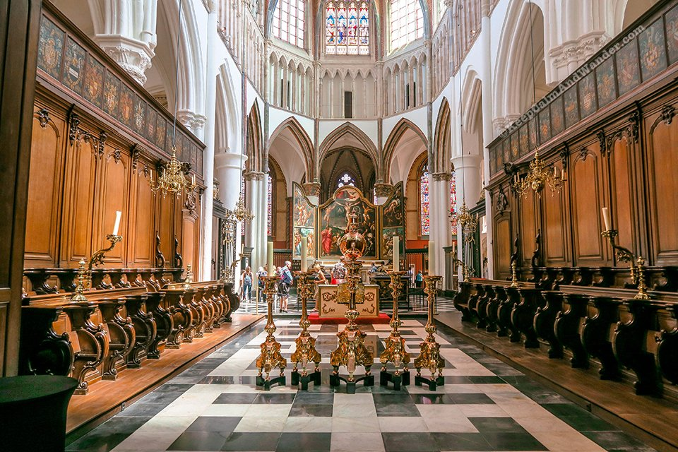 Onze-Lieve-Vrouwekerk / Church of Our Lady in Bruges (Belgium).