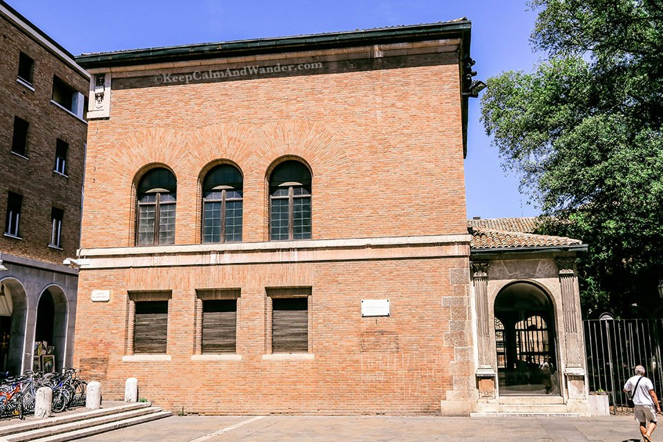 Former House of Lord Byron / A Day Trip to the City of Ravenna Where Dante is Laid to Rest (Italy).