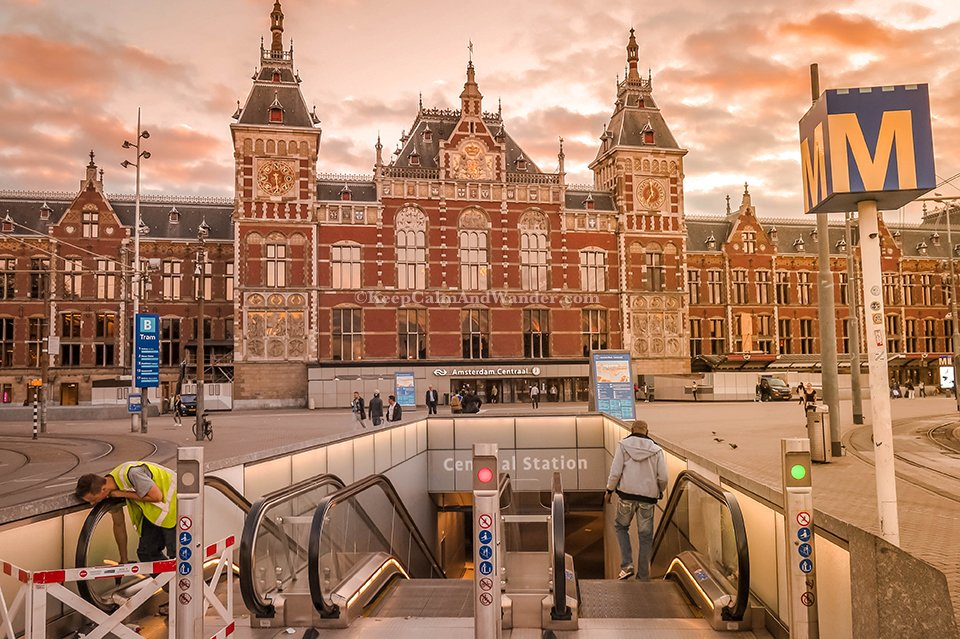 Amsterdam Central Station / What Amsterdam Looks Like Without the Tourists - Morning in Amsterdam (Netherlands).