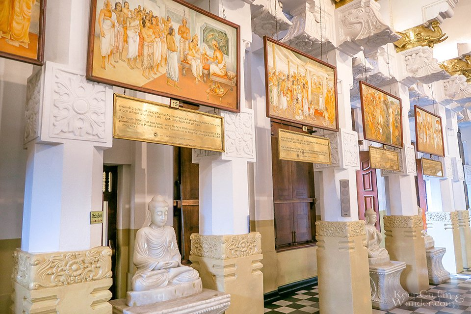 Temple of the Sacred Tooth Relic (Kandy, Sri Lanka).