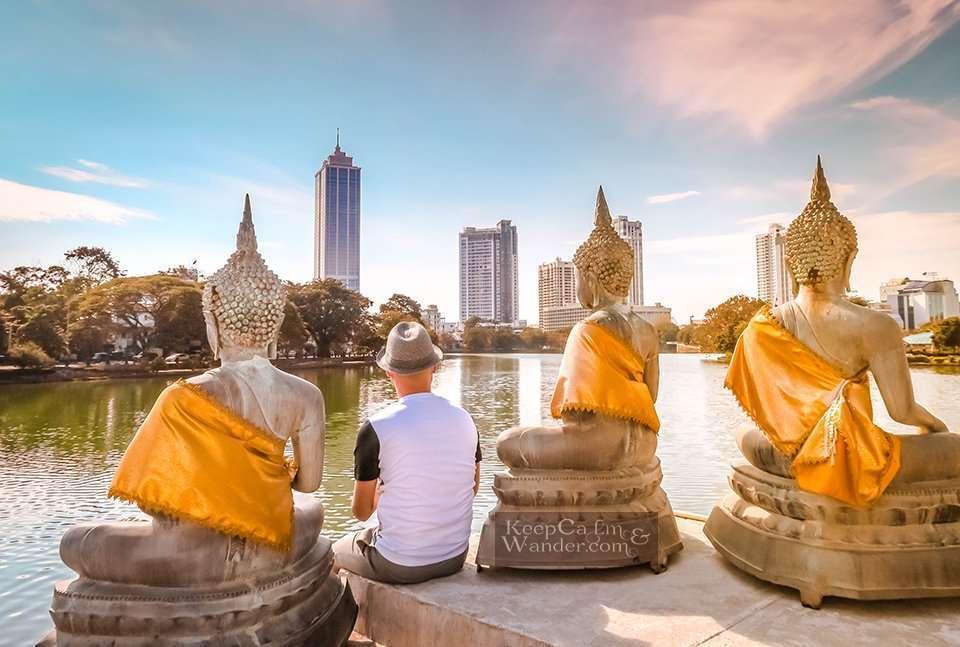 Sri Lanka: Top 9 Things to do and see in Colombo (Seema Malaka Buddhist Temple).