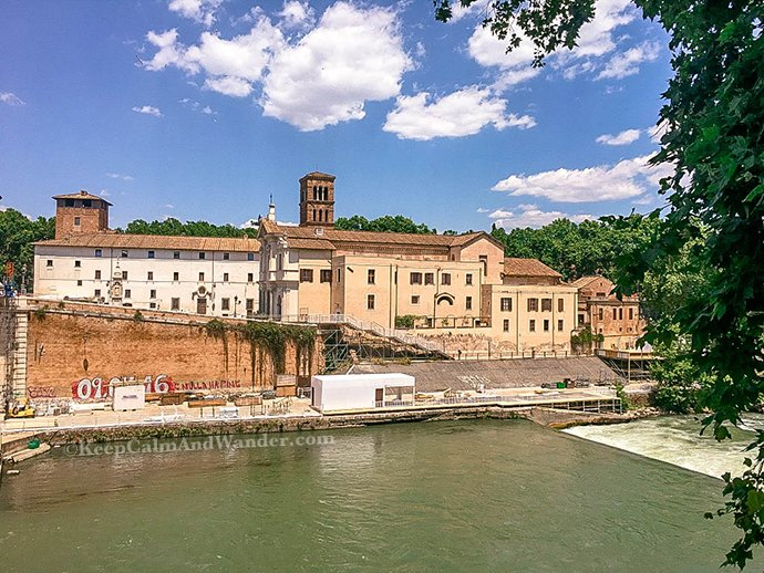 There's an Island in the Middle of Rome and It's Called Tiber (Italy).