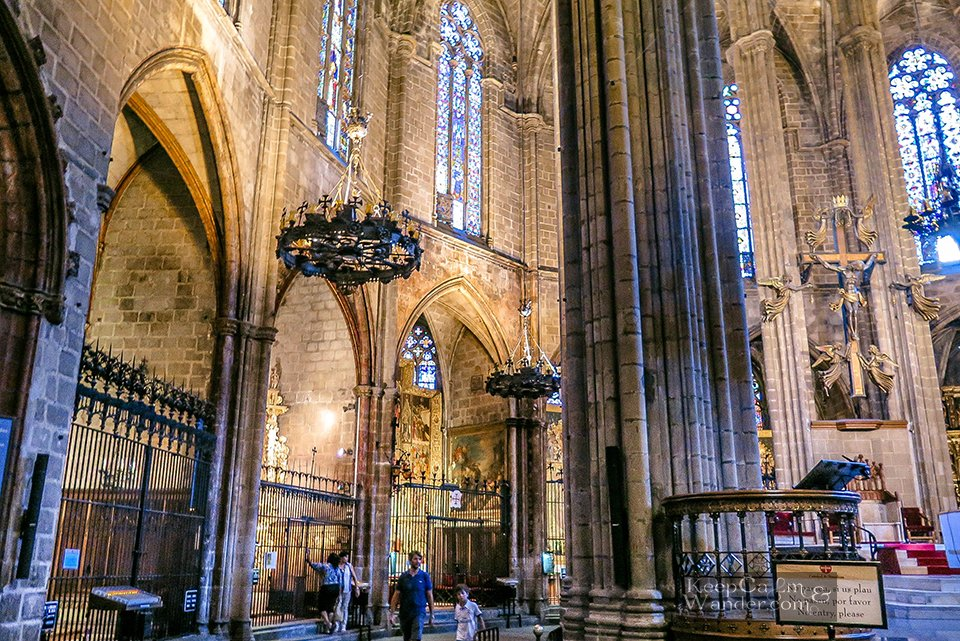 Inside the Magnificent Catedral Barcelona (Barrio Gothic, Spain)