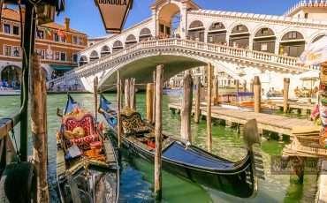 Realto Bridge Venice Italy Thinsg to do in Venice 1