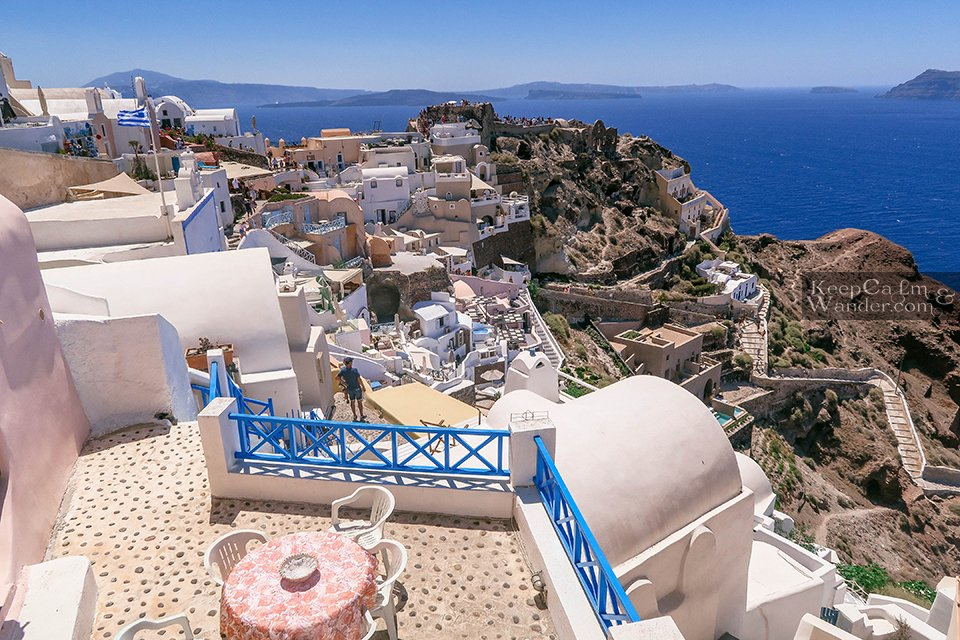 Santorini is Paradise on Earth (Oia, Greece).