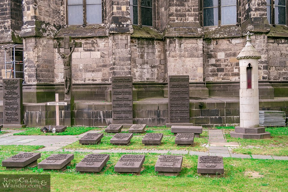 At the back of the Cathedral (Cologne, Germany). Travel Blog