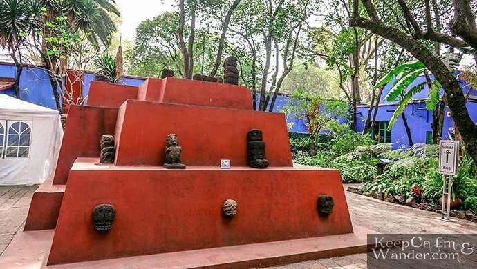pyramid frida's house Mexico