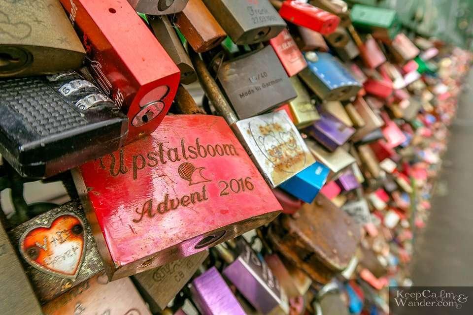 Heart PadLocks Koln (Germany). Travel Blog