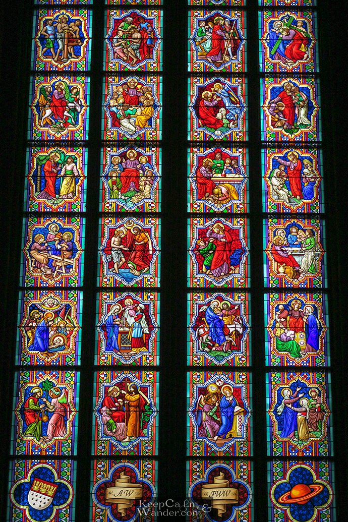 ife of Christ Stain Glasses Window