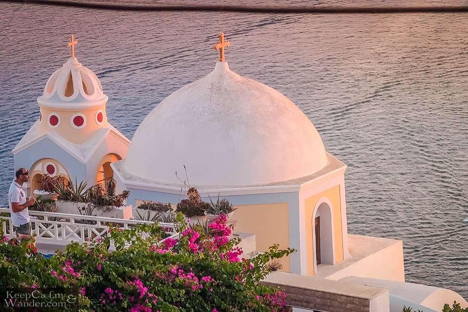 Budget accommodation in Fira Santorini Oia