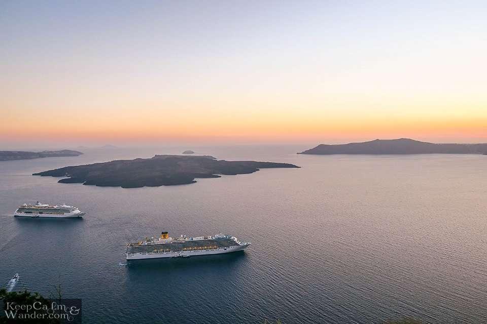 Sunsets cruise in Santorini (Greece).