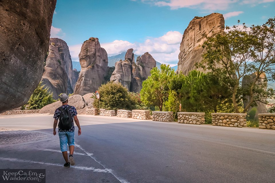 Walking is possible from Kalabaka to Meteora Monasteries (Greece).