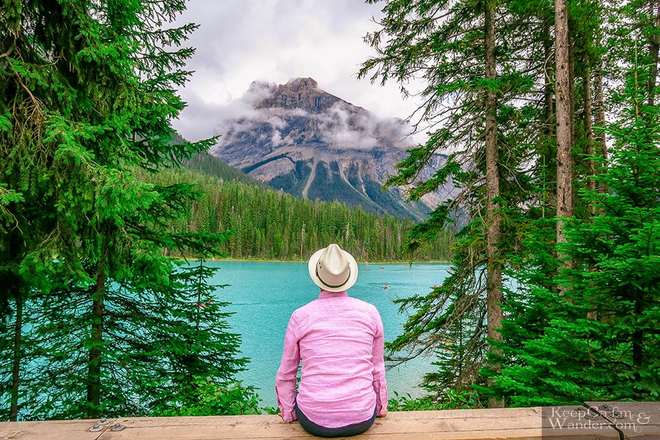 Emerald lakes in the Canadian Rockies Banff Things to do