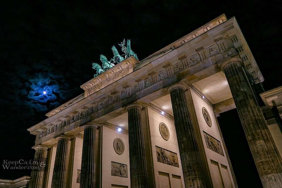 Brandenburg at night Berlin Hostel Hotel