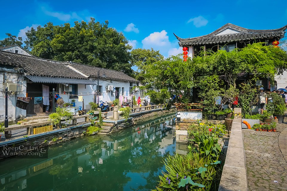 things to do in Suzhou Jiangsu ChinaWell-preserved white houses are everywhere!